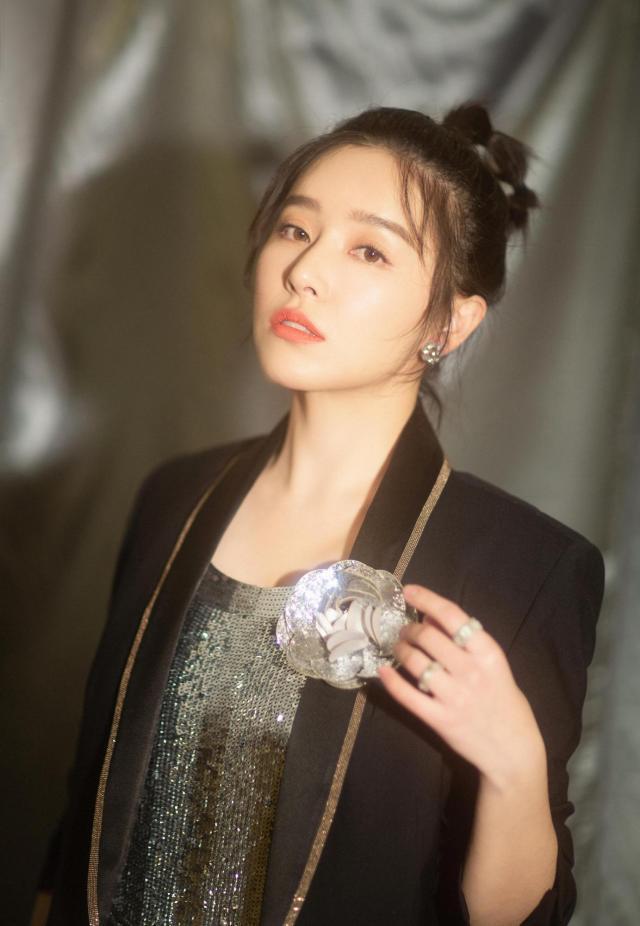 阚清子和纪凌尘分手后没热度,她的恋情才是大家关注的点?