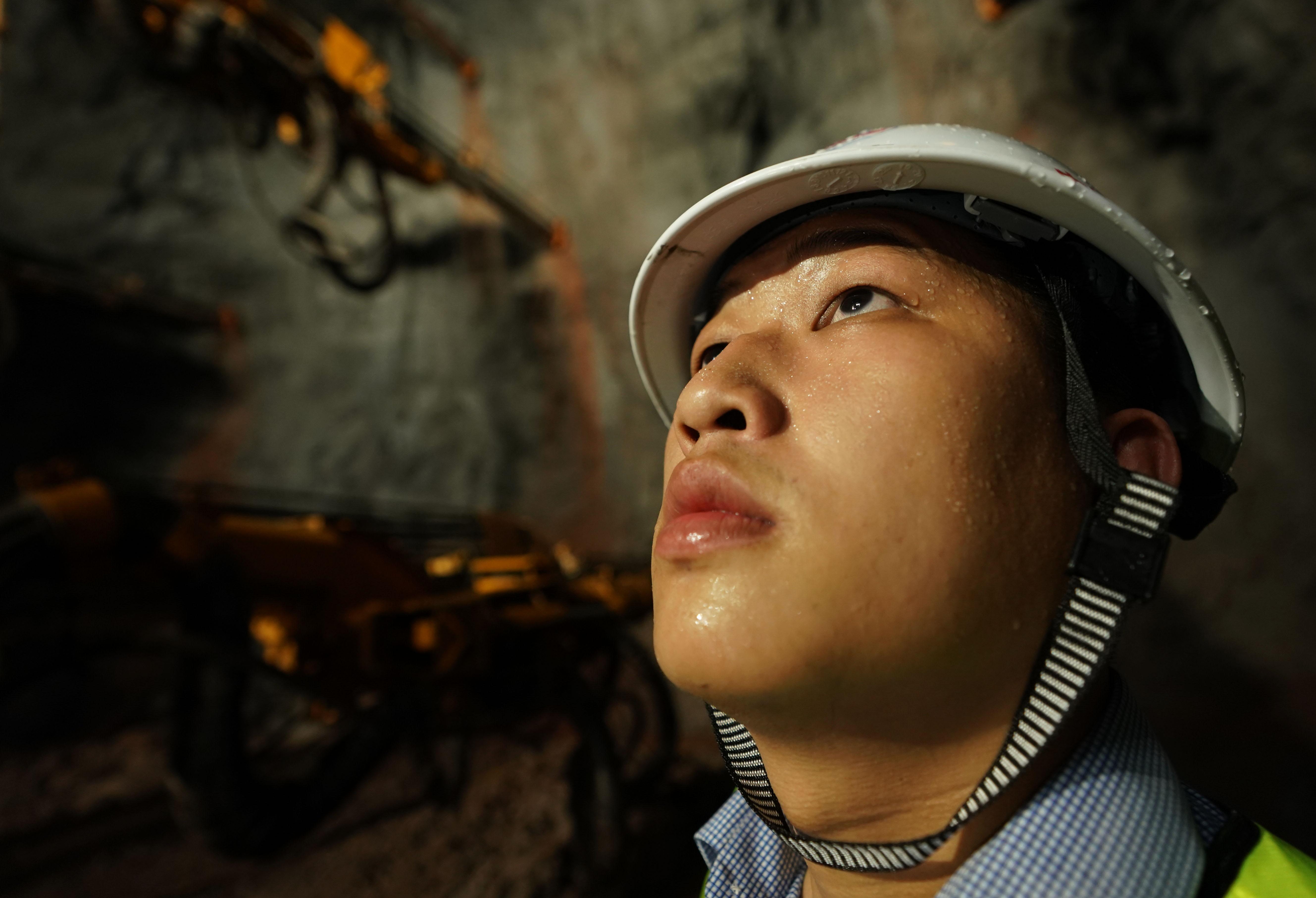 郑万高铁重庆段桥梁、隧道建设稳步推进