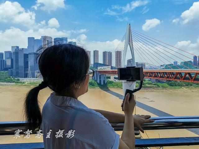 重庆长江边有条山城巷,这个我最熟悉的地方现在竟成了网红打卡地