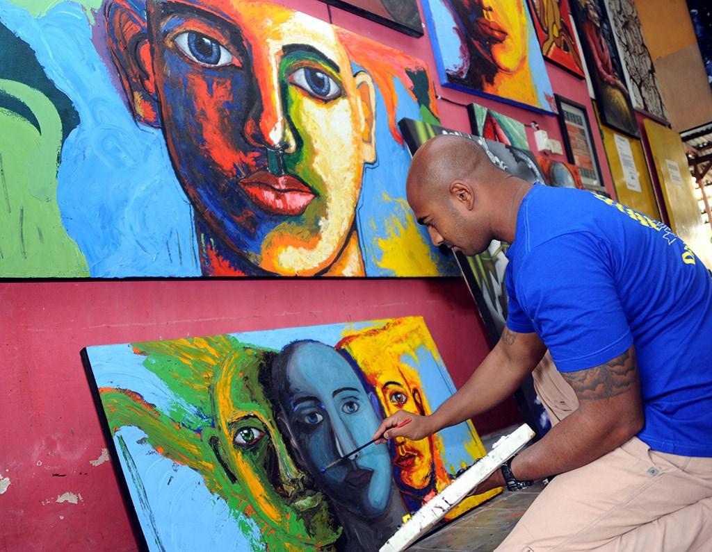 毒枭在监狱学习绘画,死刑前一个小时还在作画,死后成为知名画家