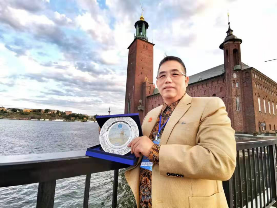 WAKi Teo Choo Guan receive World Peace Prize