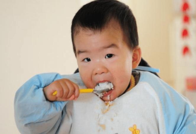 6岁娃脾虚发育停滞,儿科医生检查后,怒斥家长:不配做父母!