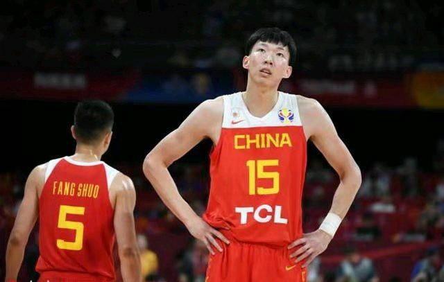 单节3次飞身救球!王仕鹏发罗德曼照片,男篮对韩国立马改态度