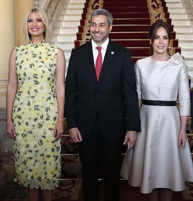 伊万卡访问巴拉圭!这裙子太显腰粗,我却被巴拉圭第一夫人惊艳到