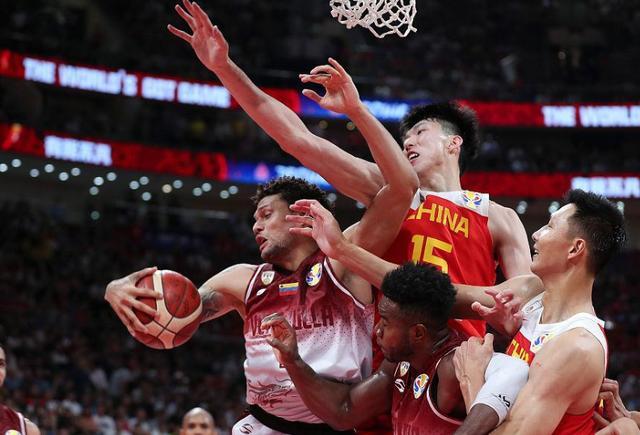 中国男篮生死大战真需启用2大将,1阵容在场时间需要被缩短