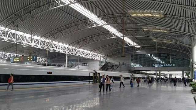 中国最方便的高铁站 隔壁就是飞机场 占地面积亚洲第一?