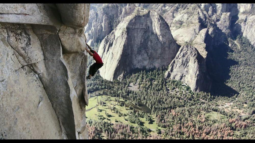 徒手攀岩 豆瓣9.0,这部奥斯卡最佳纪录片是拿命拍的