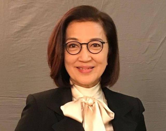 """71岁TVB""""御用恶母""""纵横演艺界半个世纪 手持多个物业身家过半亿"""