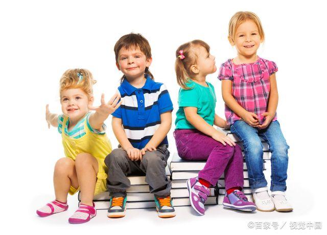 """幼儿园坚持""""3岁不上就晚了"""",妈妈不屑:那点私心,谁看不出来"""