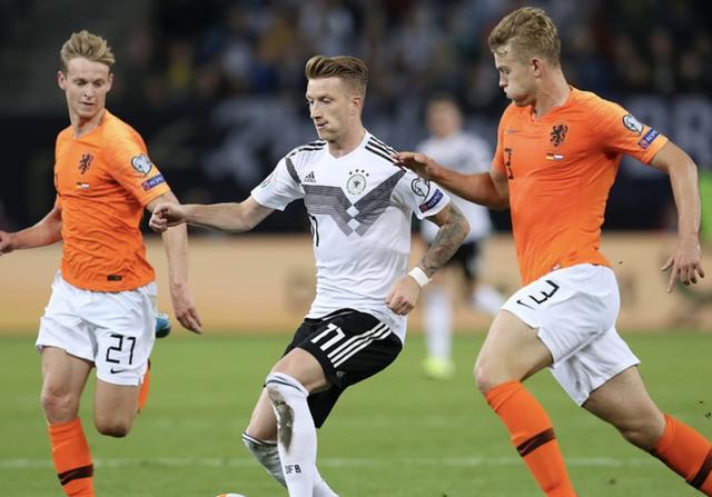 勒夫该下课了!战术与用人败笔不断 他是德国队复兴第一短板_德国新闻_德国中文网