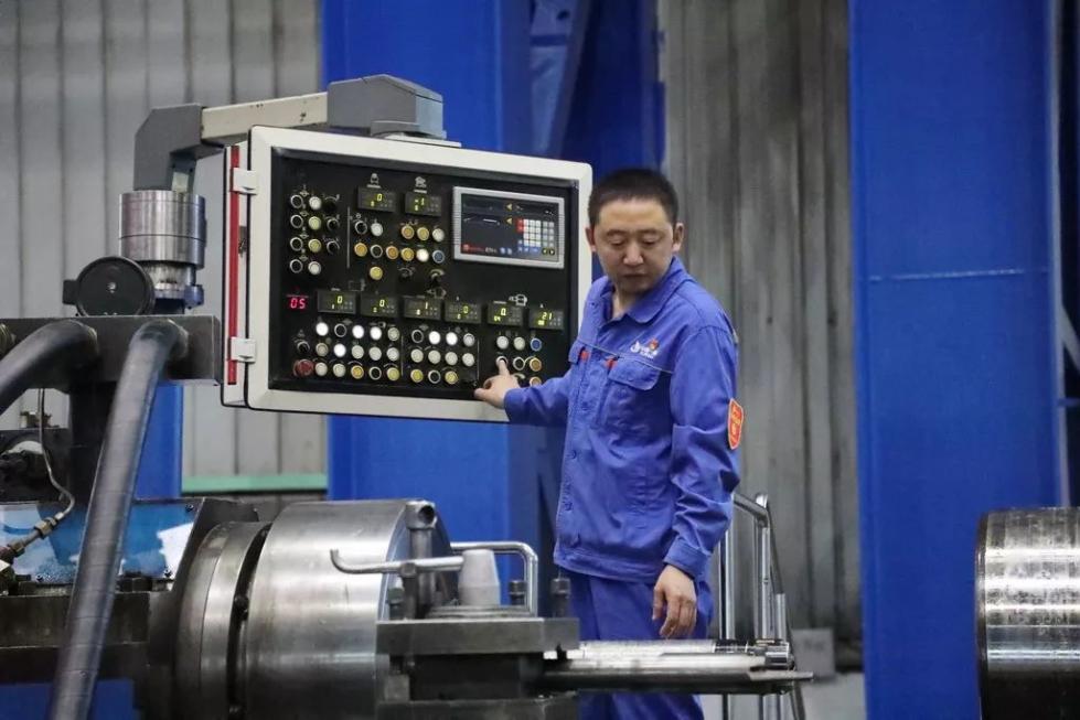 """当代""""刀客""""——0.02毫米里钻出大国重器   初心故事④"""