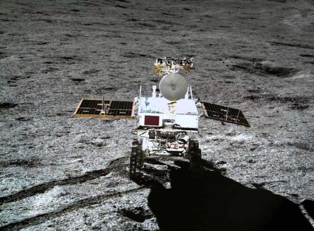 今日凌晨2点15分,印度月球探测器失去控制,将全速撞向月球南极