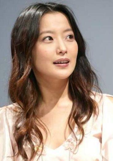 她是韩国第一美女,因女儿太丑被质疑整容,8年后女儿美成这样!