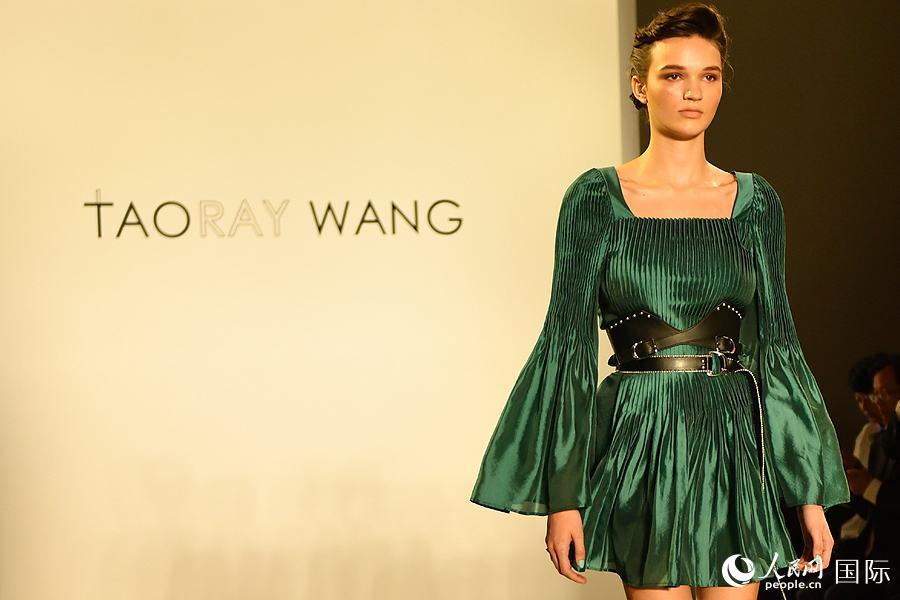 中国服饰亮相纽约时装周