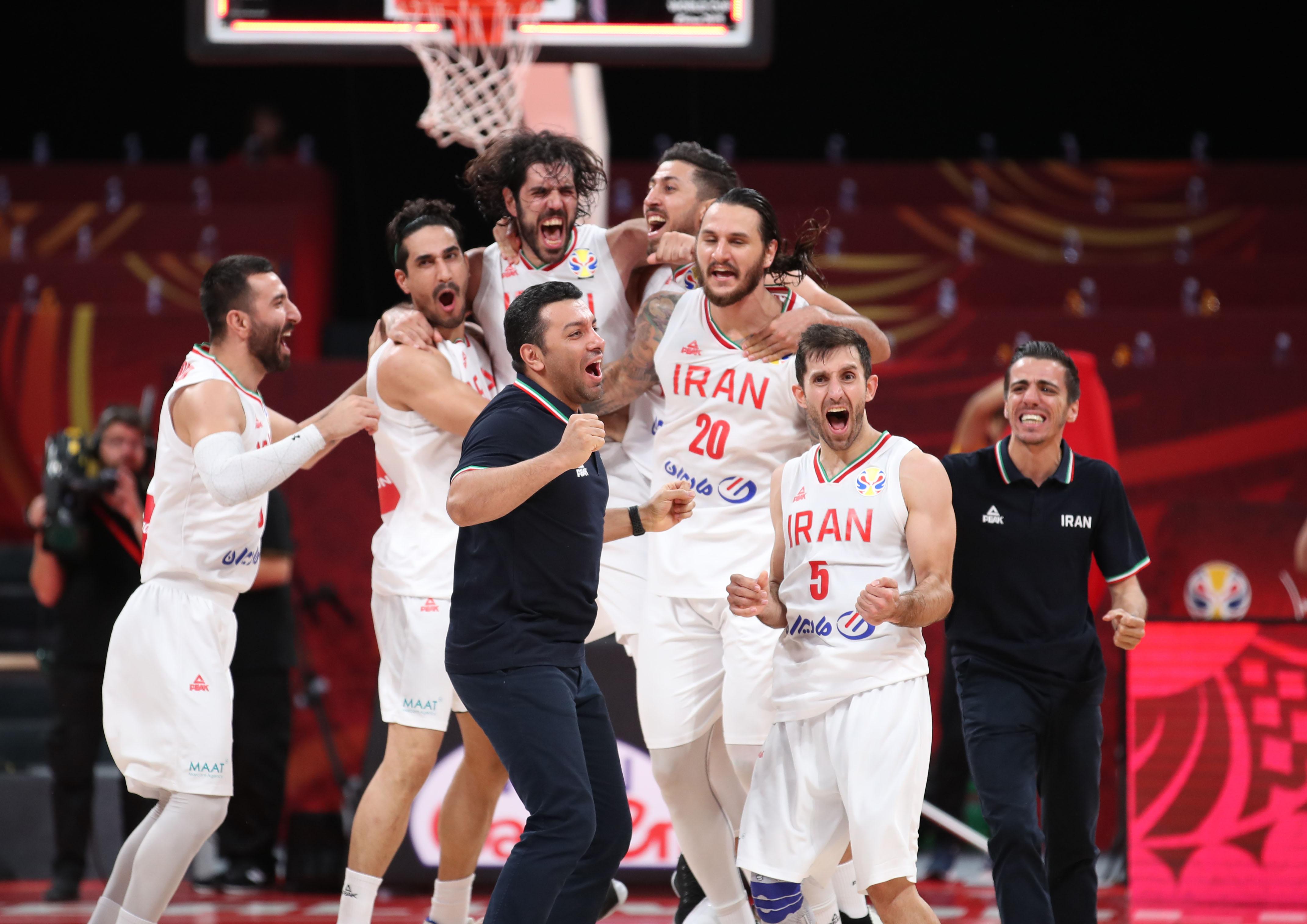 篮球——小组赛第二阶段:伊朗队胜菲律宾队