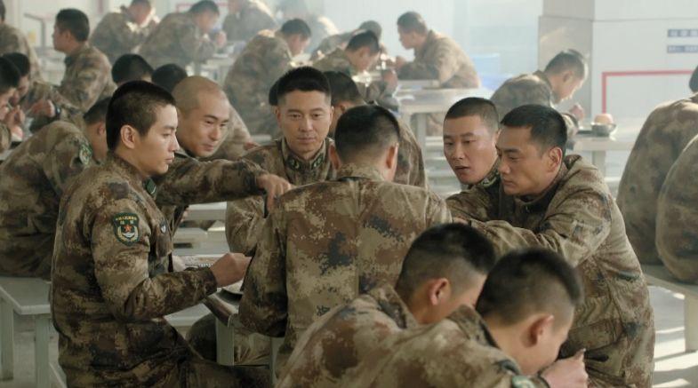 """""""小棉袄""""陈晓上线,助力战友暖化妻子"""