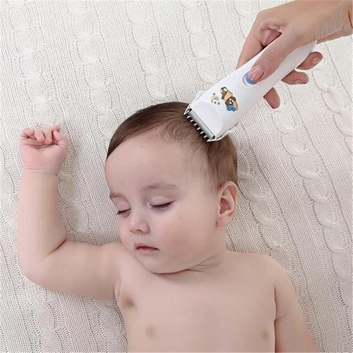<b>妈妈给满月宝宝剃光头后,头发再也没长出来,医生问:你是亲妈吗</b>