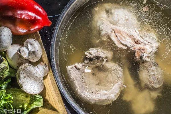 骨头汤、虾皮、芝麻酱都不好补钙!真正补钙的是…