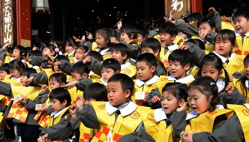 10月起日本幼儿园学费全免!