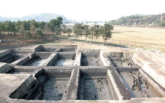 吴六奇墓出土陶器断裂损坏,专家使出三个绝招,让它们焕然一新