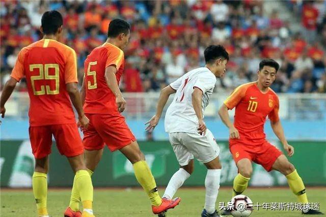 越南球迷已看不上中国男足!2-0赢球后 请求下次不要找弱队中国了