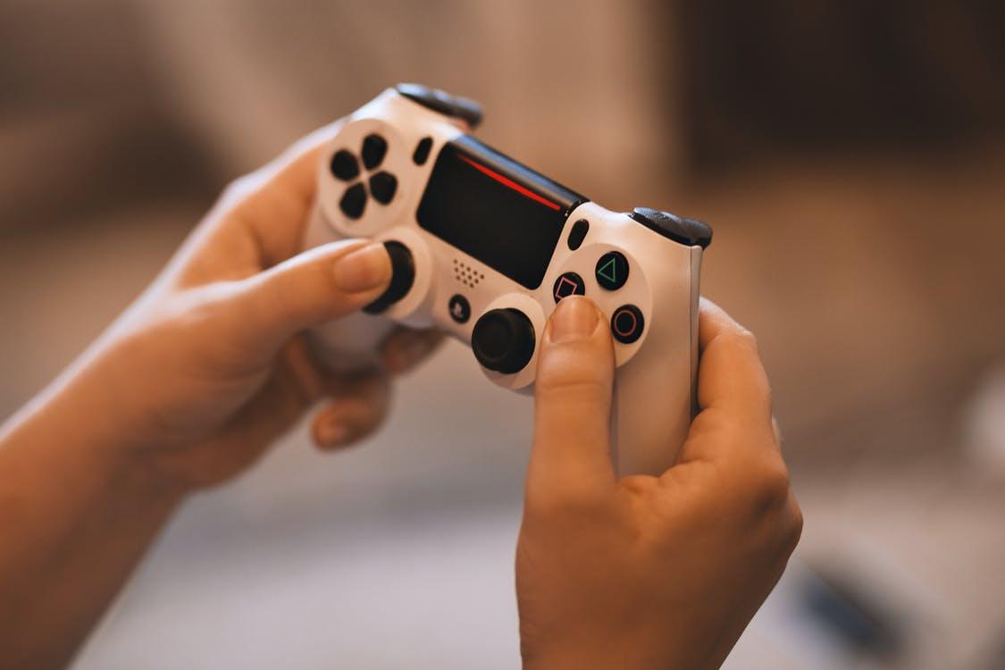 游戏第三极世纪华通:游戏业务收入稳增未来业绩将爆发