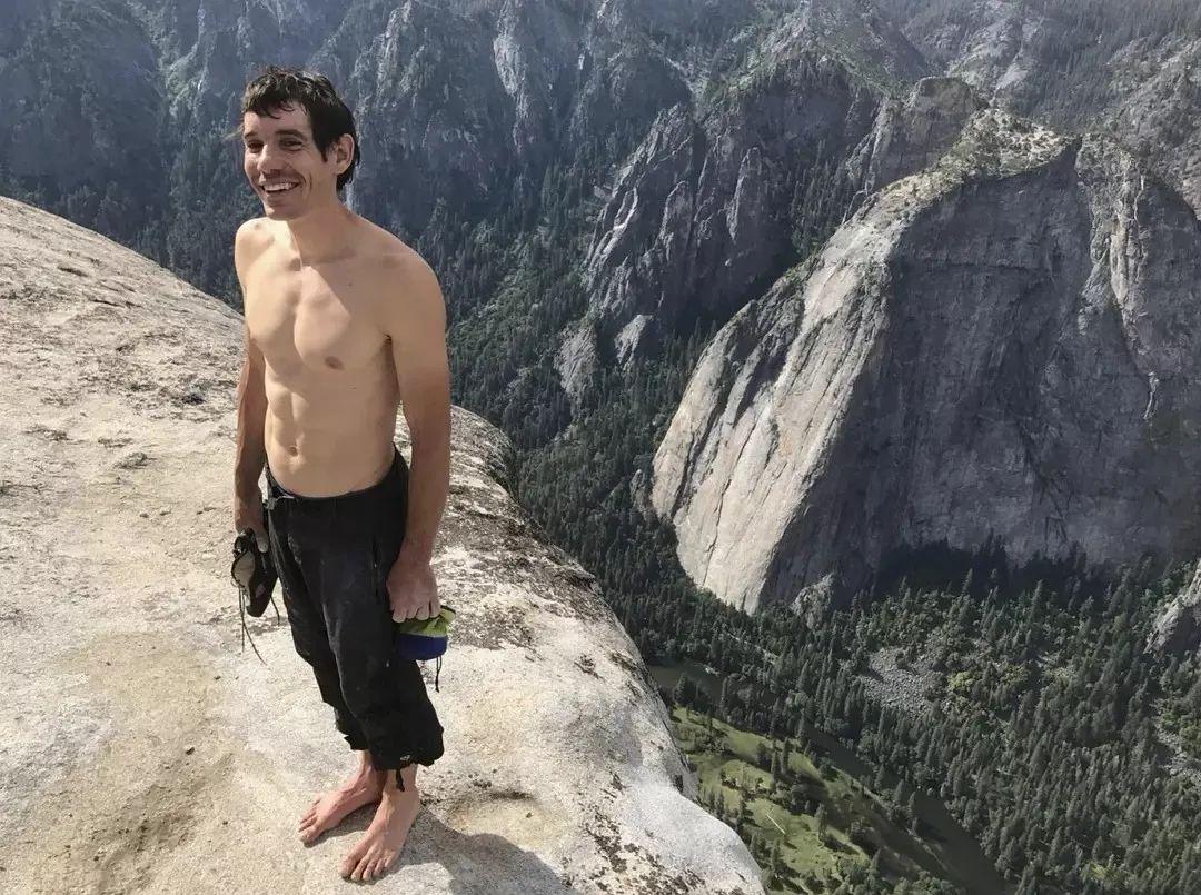 挑战心跳,冲破极限 徒手攀岩 奥斯卡佳作诠释向上精神