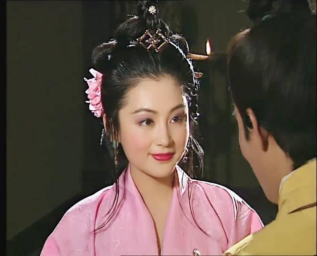 三国演义 陈红演的貂蝉第一次出场,简直太美了图片