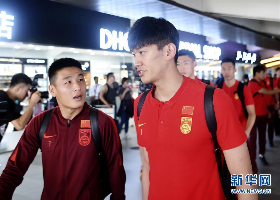 <b>2022年卡塔尔世界杯预选赛:中国男足抵达马累</b>