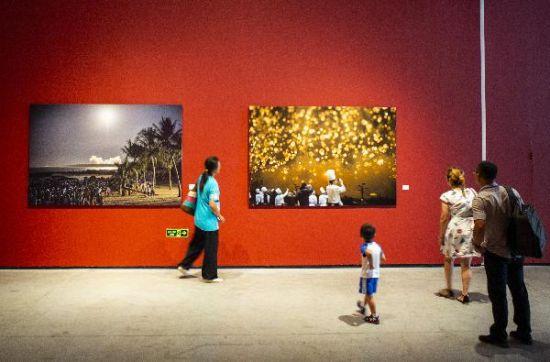 《我和我的祖国》优秀作品展在北京举行