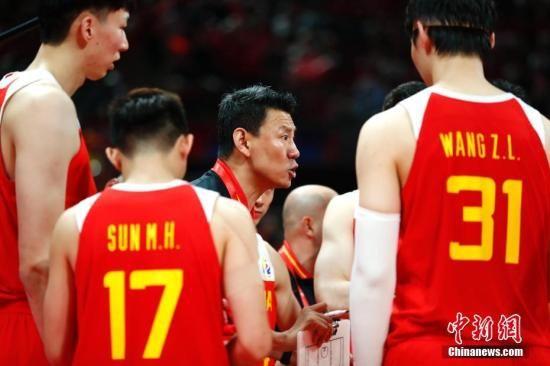 中国男篮跌至低谷 是