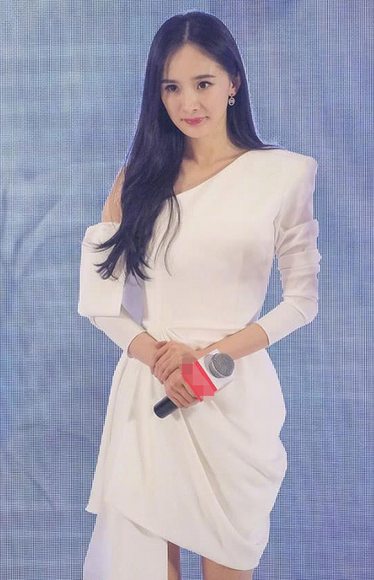 """当万绮雯和杨幂同穿小白裙,才知道什么才叫真正的""""气质女神""""!"""