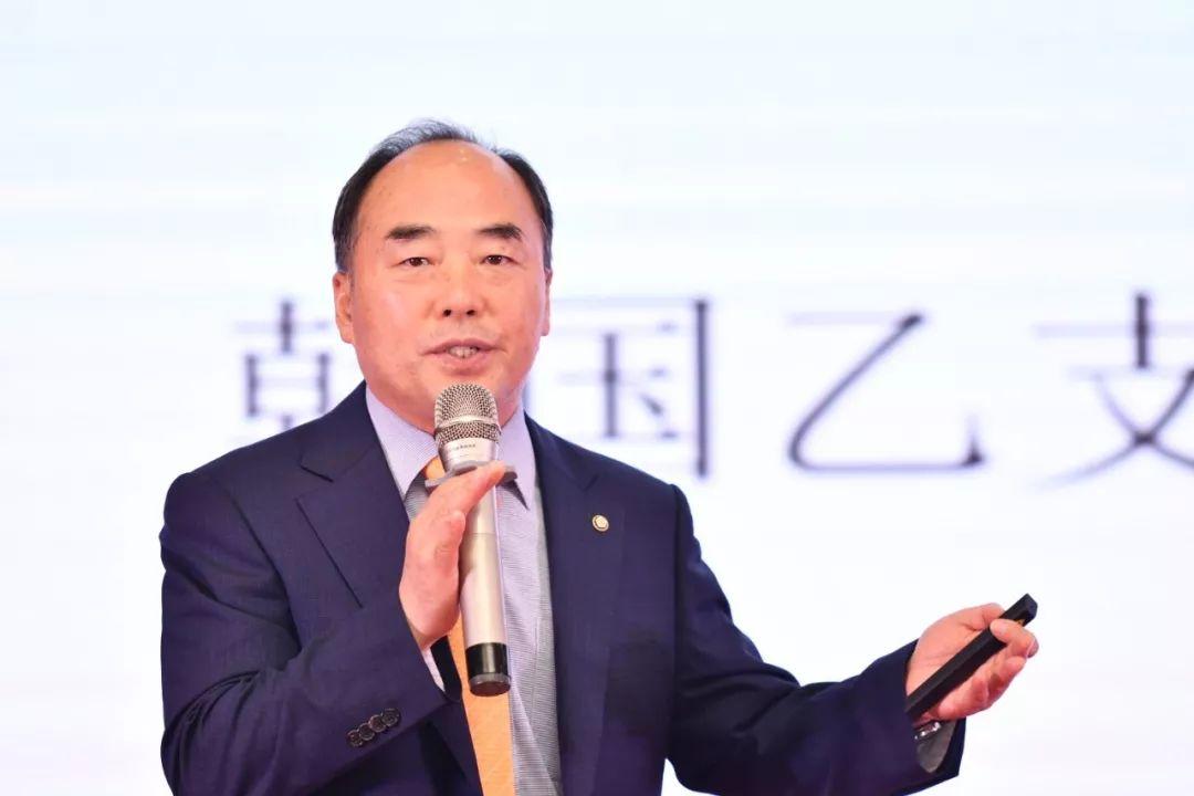 红梅董事长_红梅集团董事长李红梅