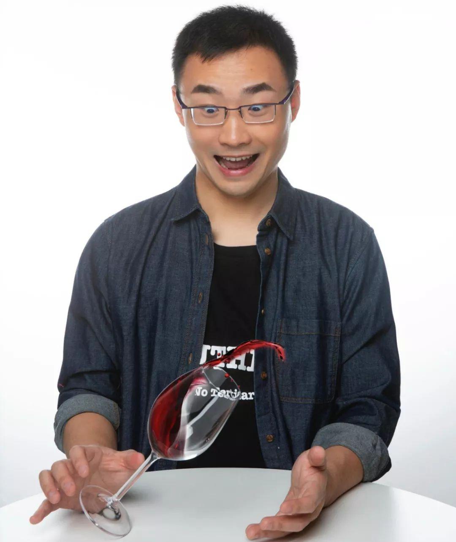 31岁的他是如何成为中国第一位MW葡萄酒大师 ?| 专访