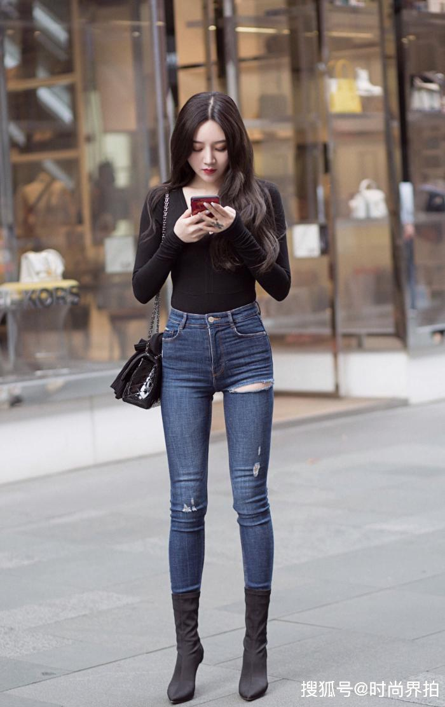 牛仔裤的潮流,不仅限于线条,最终止于性感