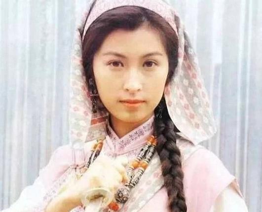 原创            她是港姐冠军,为支持老公而退隐,获影帝老公宠爱21年