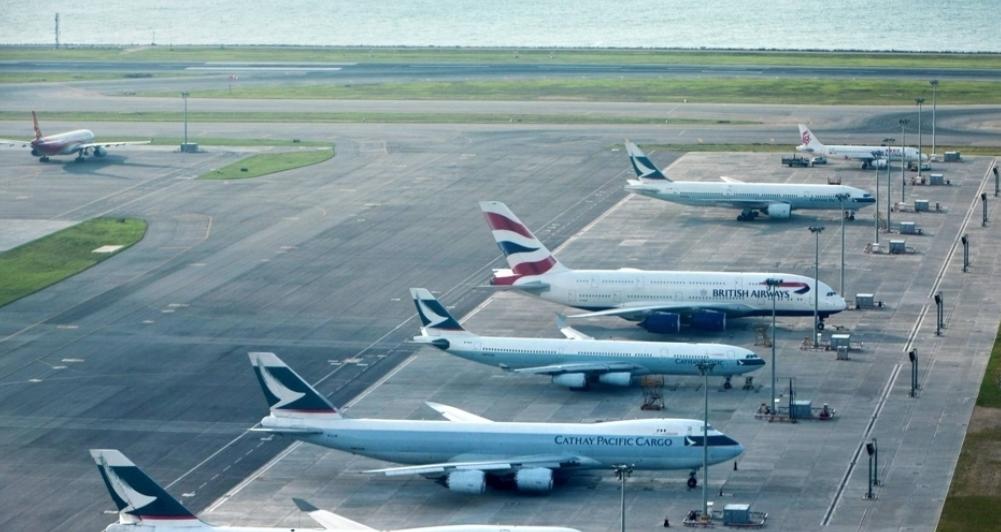 """这家垄断香港的航空公司,幕后大佬是英国人,李嘉诚却被""""点名"""""""