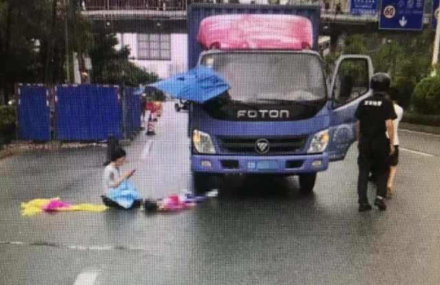 8岁女童上学路上不幸身亡!今天,请为每一位学生扩散这条消息