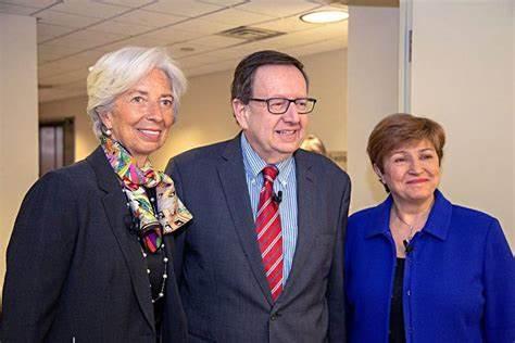 来自农村,父母只上过高中,66岁的她能干啥?当IMF新总裁