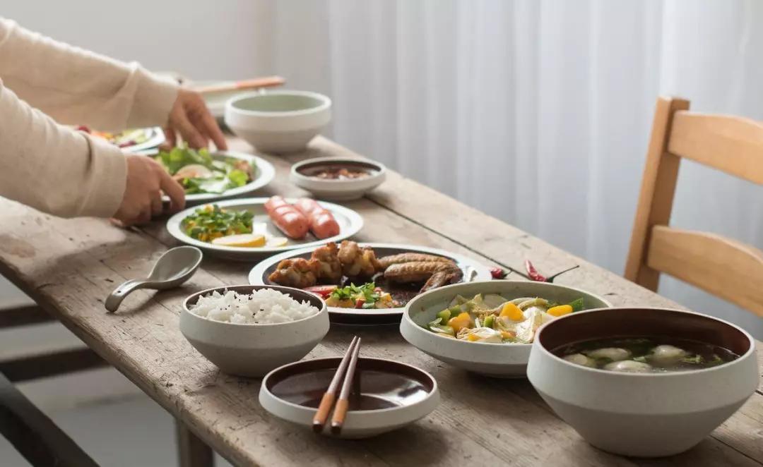 剩菜处理【家有剩菜,怎么处理才好?有什么办法改良吗】