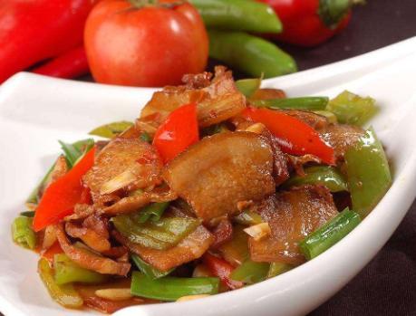 [川味回锅肉,放豆瓣酱的时间是关键,多数人做错,难怪不入味难吃] 做