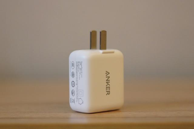 ANKER 快充头:一个能给苹果全家充电的小玩意儿