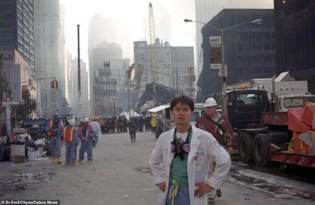 华裔医生首次公布911事件老照片,重返历史现场,感受人性光辉
