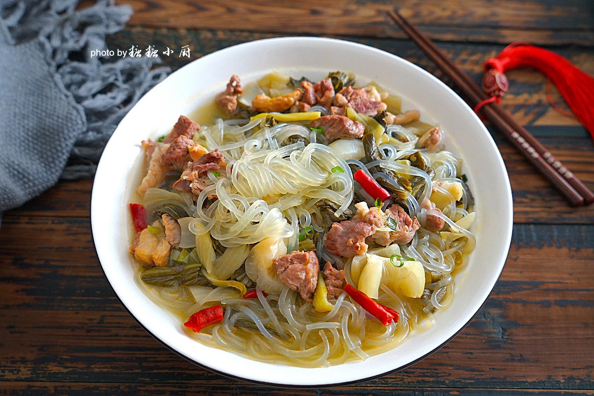 什么是硬菜 [中秋节将至,没有硬菜怎能行,这道炖菜酸辣开胃特美味,