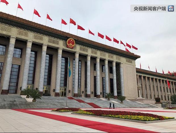 国家主席习近平即将为哈萨克斯坦共和国总统举行欢迎仪式并会谈
