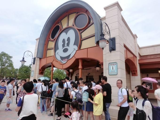上海迪士尼自带非酒精饮料不再限容量!禁带榴莲西瓜臭豆腐方便面