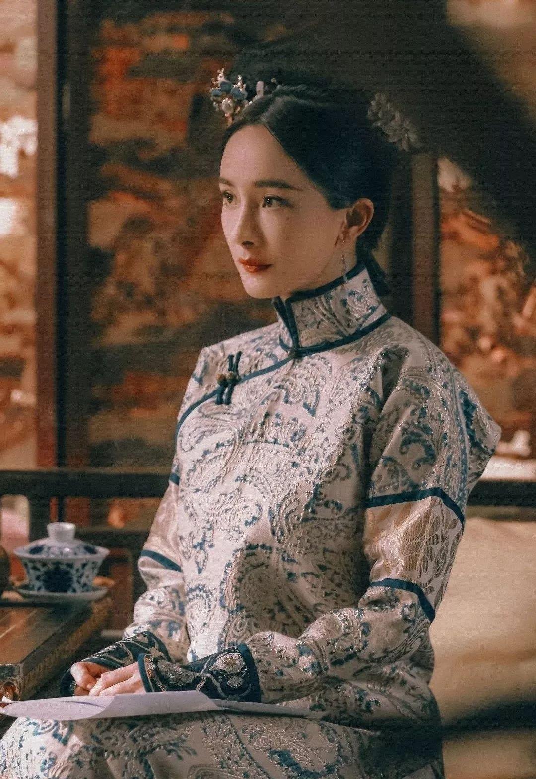 杨幂的性格,取决于她当天的造型?