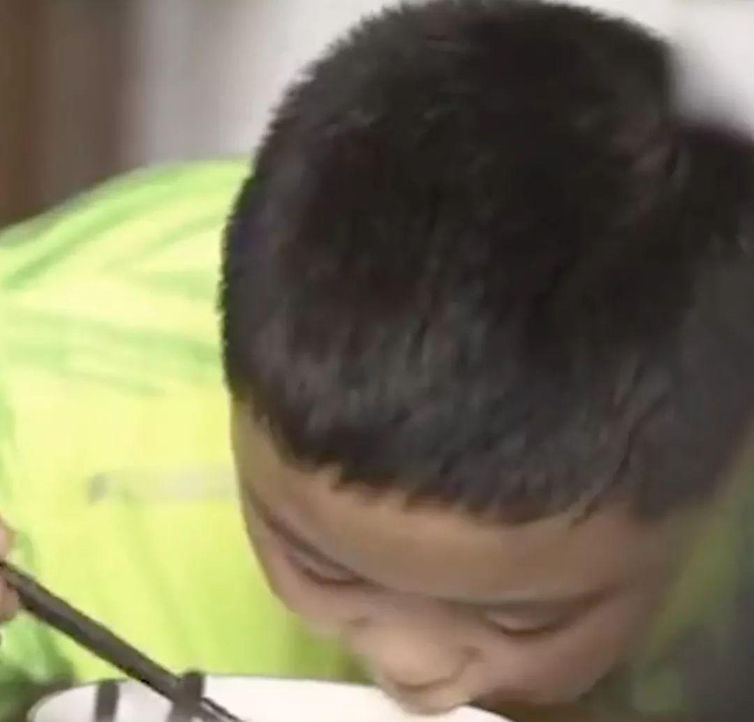 10岁男孩暴食三个月增肥救父,外婆移植肝脏救外孙女…你永远不知道家人有多爱你!