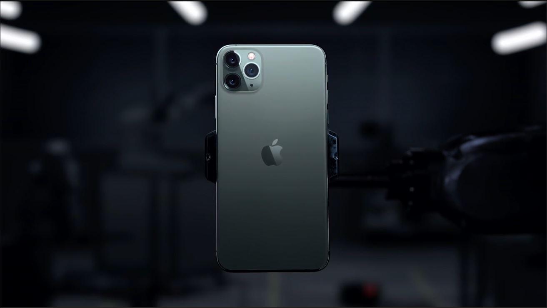 iPhone 11加持AG磨砂工艺带来出色手感,最早使用的其实是它