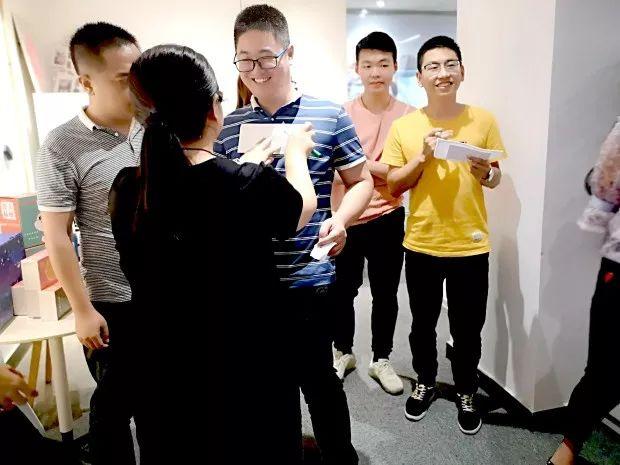 大家分工分组教程,数字欢脱活跃,组内制作a教程,合作协调花灯视频气氛金刚图片